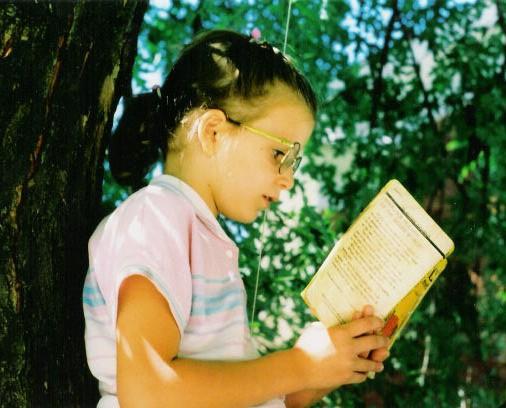 Little Lizzie in Tree